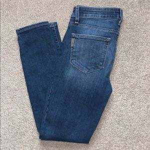 Paige distressed Verdugo Ankle size 28